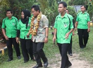 Kunjungan Tim Verivikasi Sekolah Adiwiyata Nasional Tahun 2013 di SMAN 1 Maniangpajo