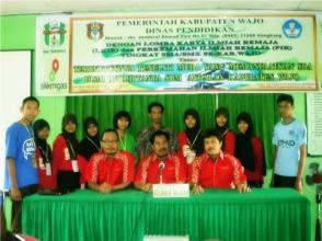 Tim SMAN 1 Majauleng bersama dengan Tim FIK KIR Sulawesi Selatan