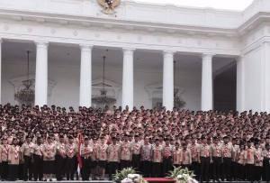 Foto bersama Kontingen Pramuka Indonesia (Sumber Foto: Halaman FB Kementerian Pendidikan dan Kebudayaan)